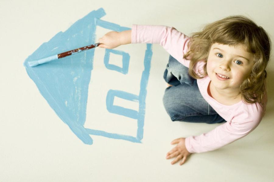 Ребенок прописывается по месту регистрации одного из родителей.